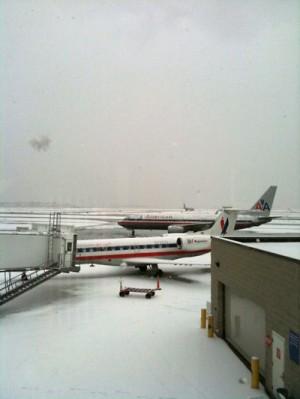 Boston空港はゆきで2時間遅れ
